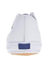 Keds - CHAMPION - Sznurowane obuwie sportowe - white - 1