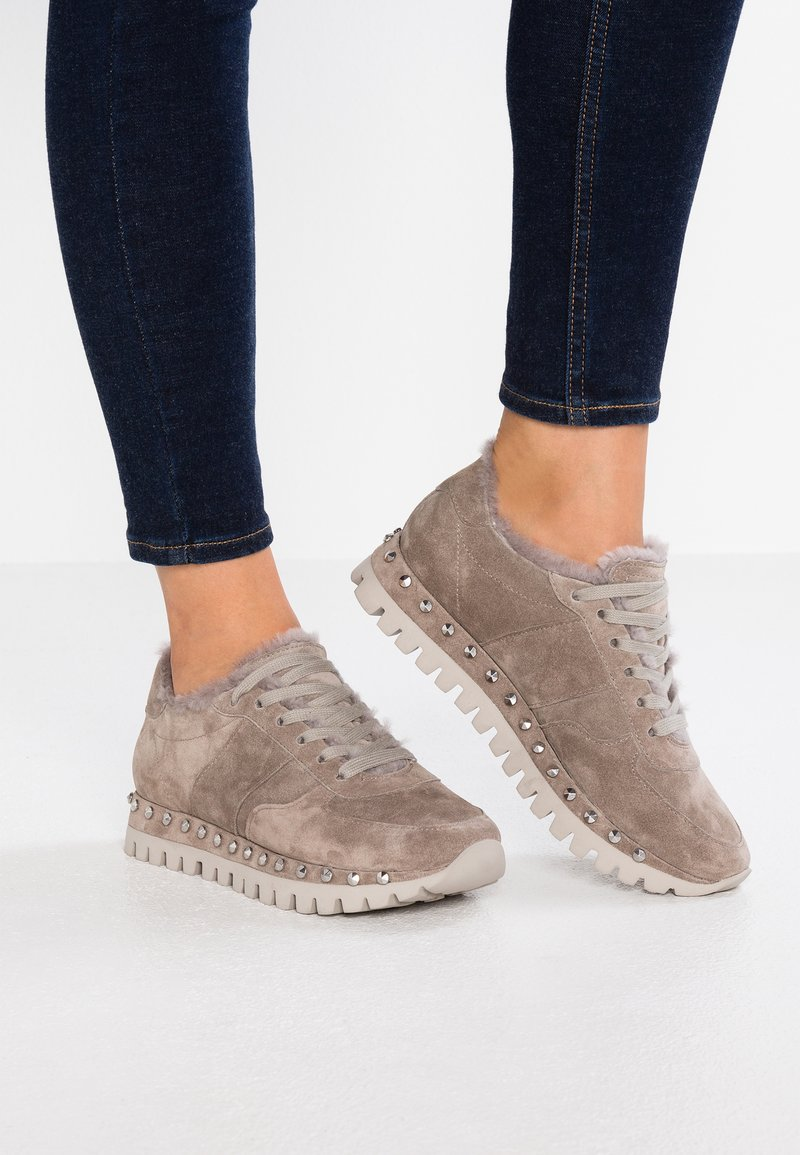 Kennel + Schmenger - FLOW - Trainers - ombra/creme