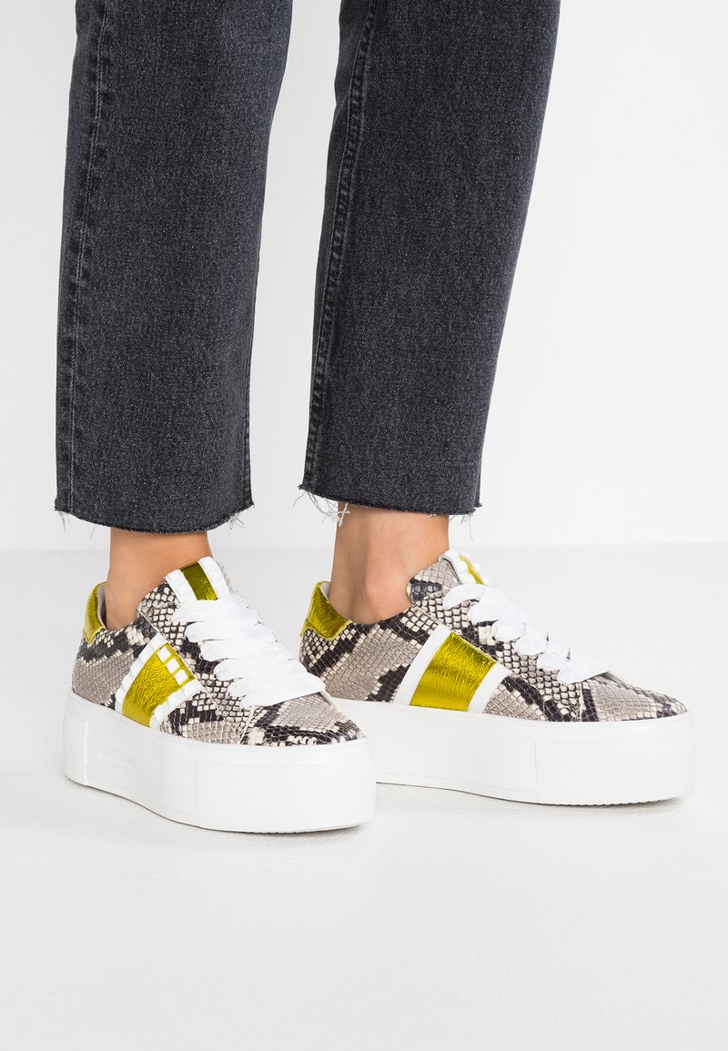 Kennel + Schmenger - TOP - Trainers - grey/bianco/yellow
