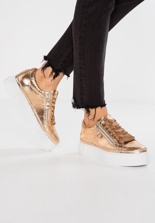 GIGA - Sneakersy niskie - champagne