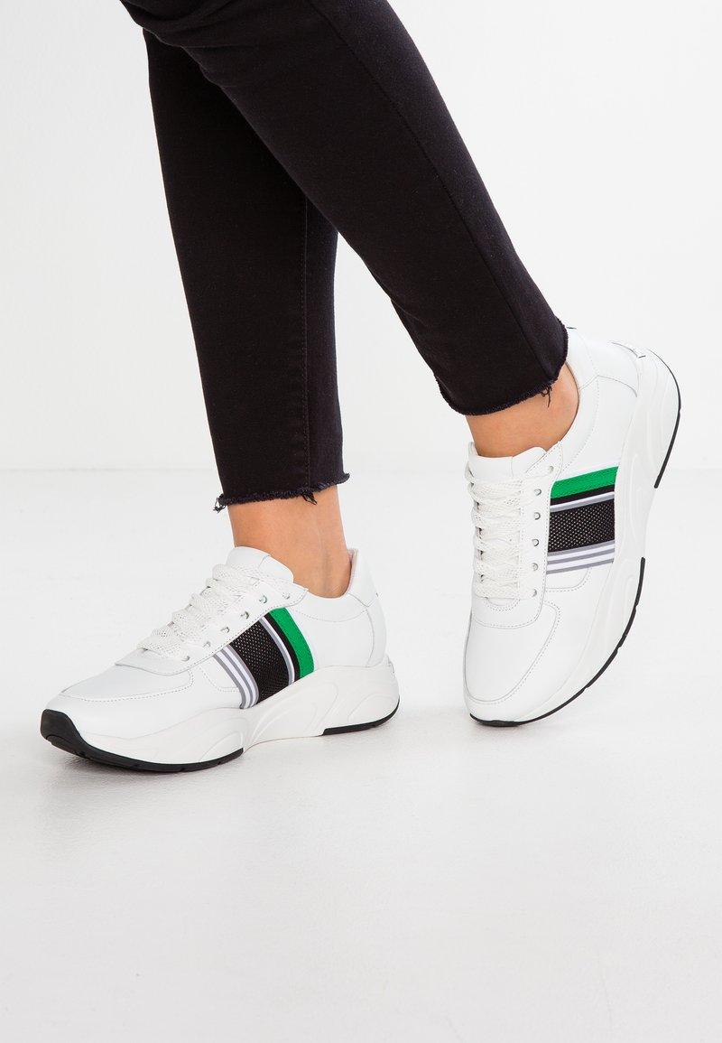Kennel + Schmenger - ULTRA - Trainers - bianco/green/weiß