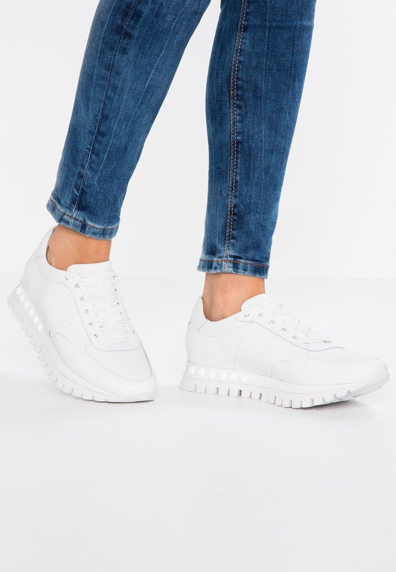 Kennel + Schmenger - FLOW - Sneakers - bianco/weiß