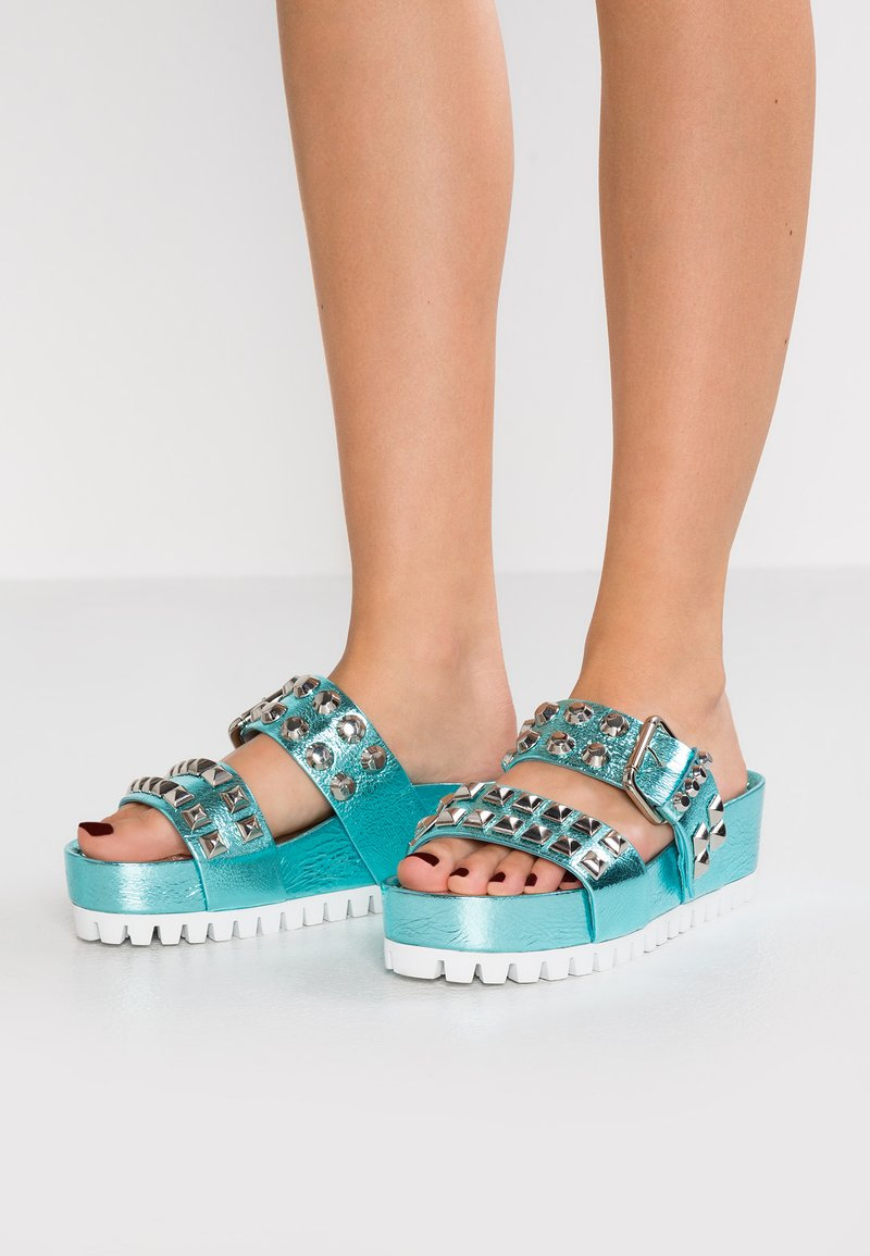 Kennel + Schmenger - PRIDE - Heeled mules - pool/silver
