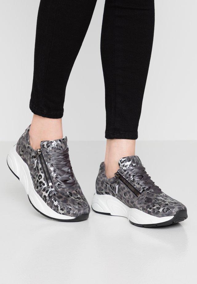 ULTRA - Sneakers - grey
