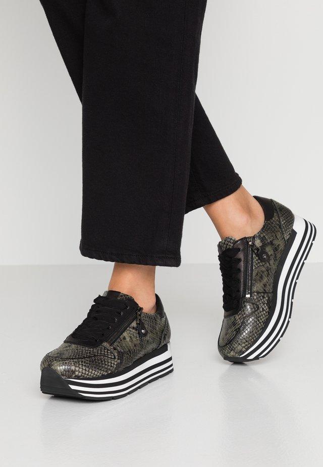 NOVA - Sneakers - moos/schwarz