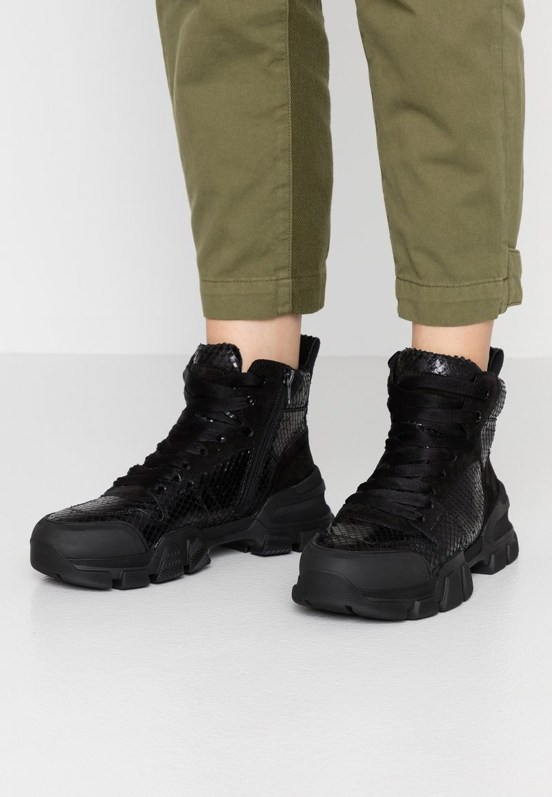 Kennel + Schmenger - ACE - Sneaker high - black