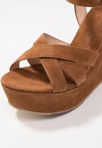 Kennel + Schmenger - Korolliset sandaalit - cognac - 2