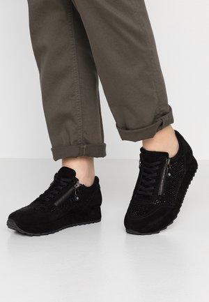 CAT - Zapatillas - black