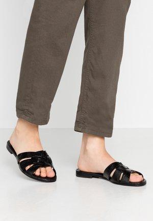 ELLE - Pantolette flach - black