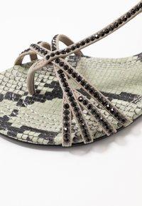 Kennel + Schmenger - ELLE  - T-bar sandals - shilf/black - 2