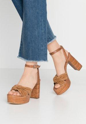 GISELLE - High heeled sandals - brandy/caramello