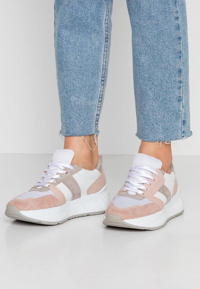 MATRIX - Sneakersy niskie - bianco/sasso/grey