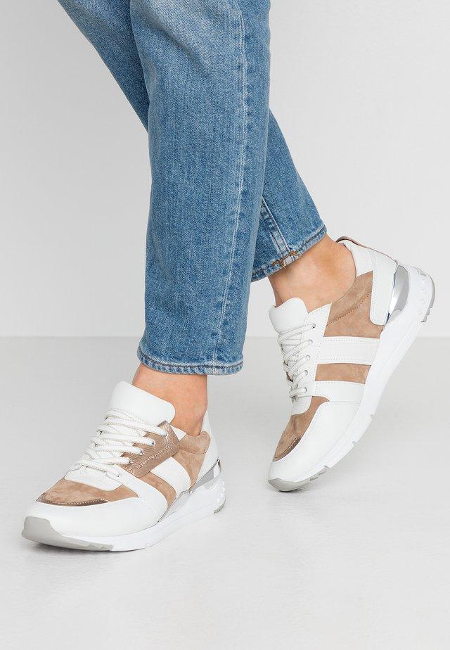 Sneakers laag - bianco/leone/silver
