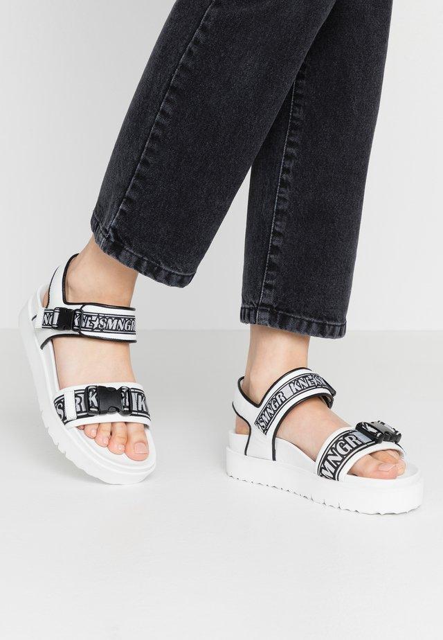Korkeakorkoiset sandaalit - bianco/black/weiß
