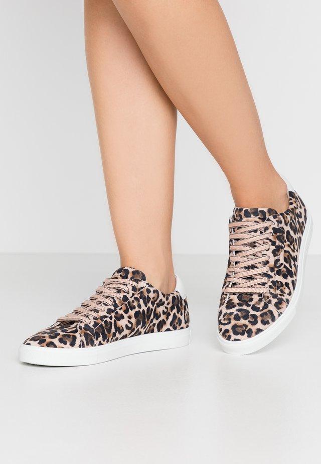 BASE - Sneakers - nude/bianco