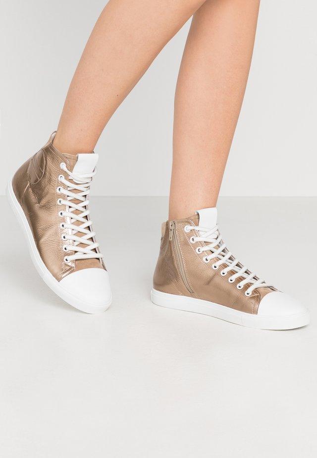 BASE - Sneakersy wysokie - gold/bianco