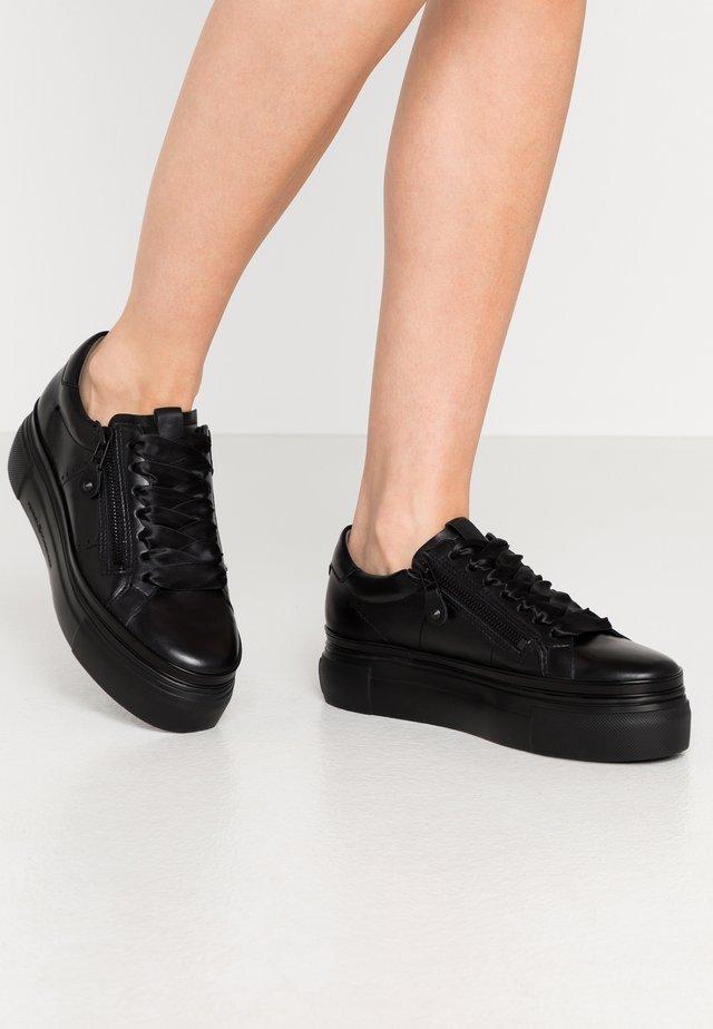 GIGA - Sneakers - schwarz