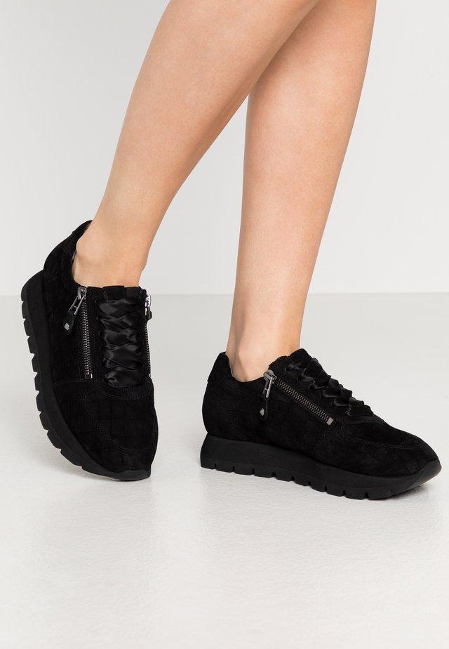 RISE  - Sneakers - schwarz