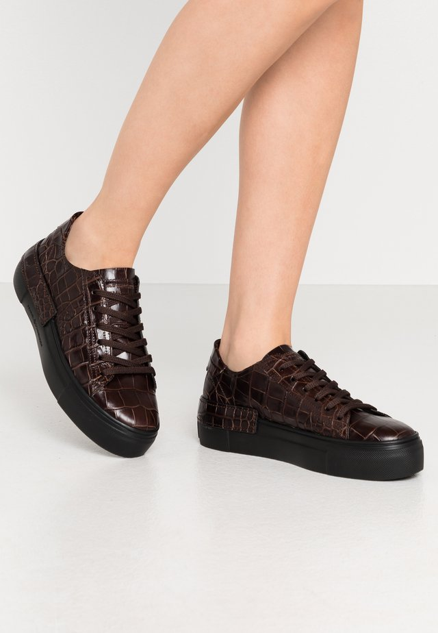 SONIC - Sneakers - braun