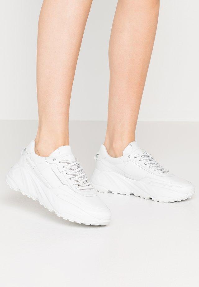 VELAR - Sneakersy niskie - bianco
