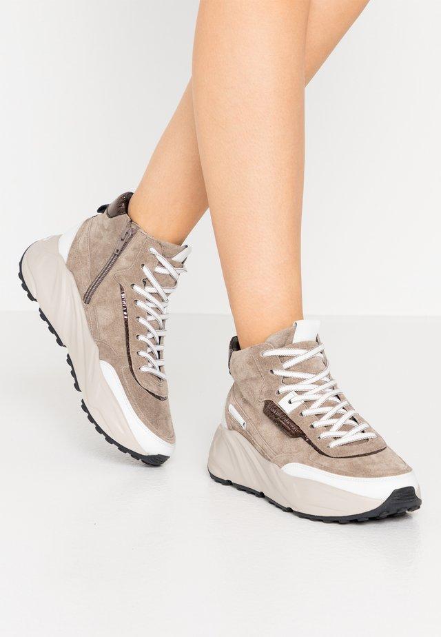 VELAR - Sneaker high - taupe/bianco