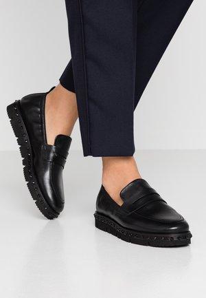 MALU - Nazouvací boty - black