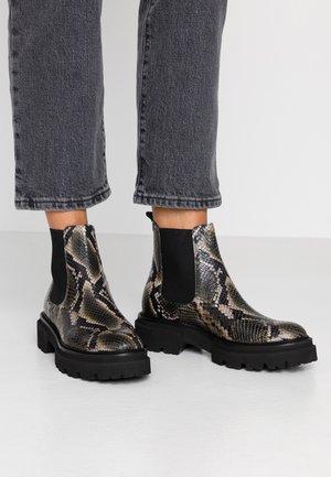 BOBBY - Kotníkové boty na platformě - bosco