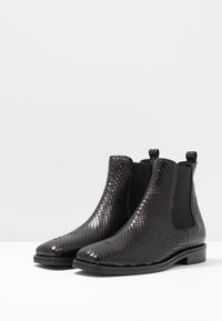 Kennel + Schmenger - JOAN - Classic ankle boots - black - 4