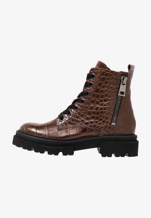 BOBBY - Platform ankle boots - cognac