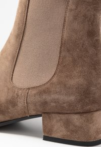 Kennel + Schmenger - TESSA - Classic ankle boots - tundra - 2