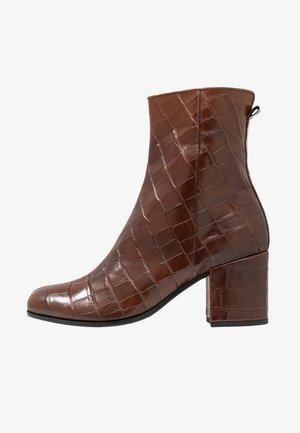 KIKO - Classic ankle boots - cognac
