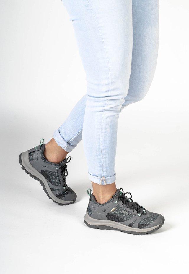 TERRADORA II WP - Sneaker low - grey