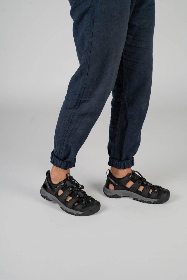 TARGHEE III - Outdoorsandalen - black/grey