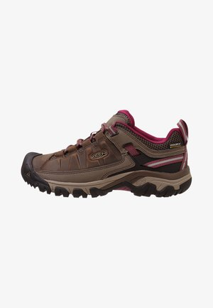 TARGHEE III WP - Hiking shoes - weiß/boysenberry