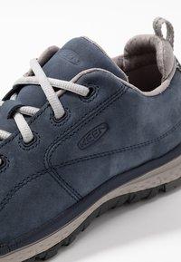 Keen - TERRADORA - Sportieve wandelschoenen - blue nights/paloma - 5