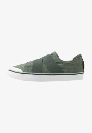 ELSA III GORE SLIP-ON - Vandresko - laurel wreath