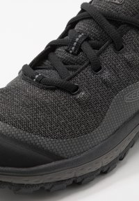 Keen - TERRADORA - Hiking shoes - black/raven - 5