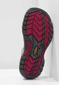 Keen - VENICE H2 - Sandales de randonnée - beet red/neutral gray - 4