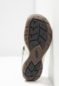 Keen - EVOFIT ONE - Walking sandals - grey/white - 4