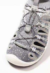 Keen - EVOFIT ONE - Walking sandals - grey/white - 5