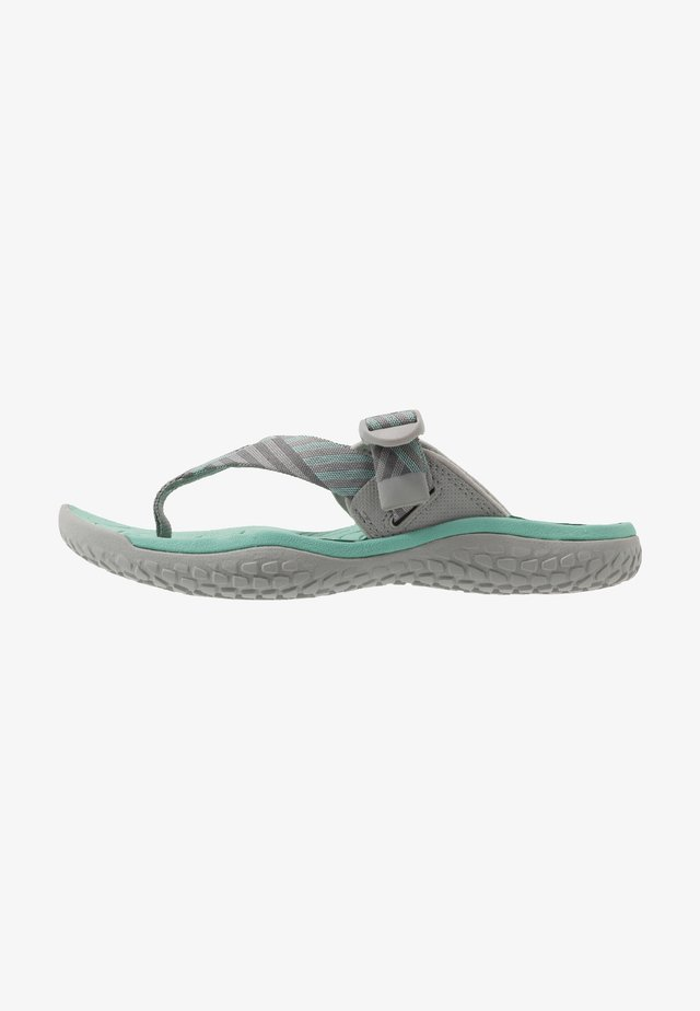 SOLR TOE POST - Japonki - light gray/ocean wave