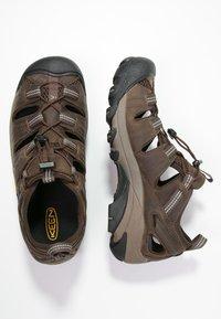 Keen - ARROYO II - Obuwie hikingowe - slate black/bronze green - 1