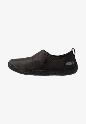 HOWSER II - Chodecké tenisky - black/steel grey