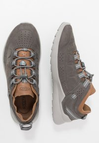 Keen - HIGHLAND - Obuwie do biegania Turystyka - steel grey/drizzle - 1