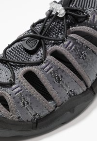 Keen - EVOFIT ONE - Outdoorsandalen - heathered black/magnet - 5
