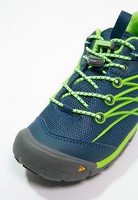Keen - CHANDLER CNX - Hiking shoes - poseidon/jasmine green - 5