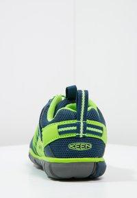Keen - CHANDLER CNX - Hiking shoes - poseidon/jasmine green - 3