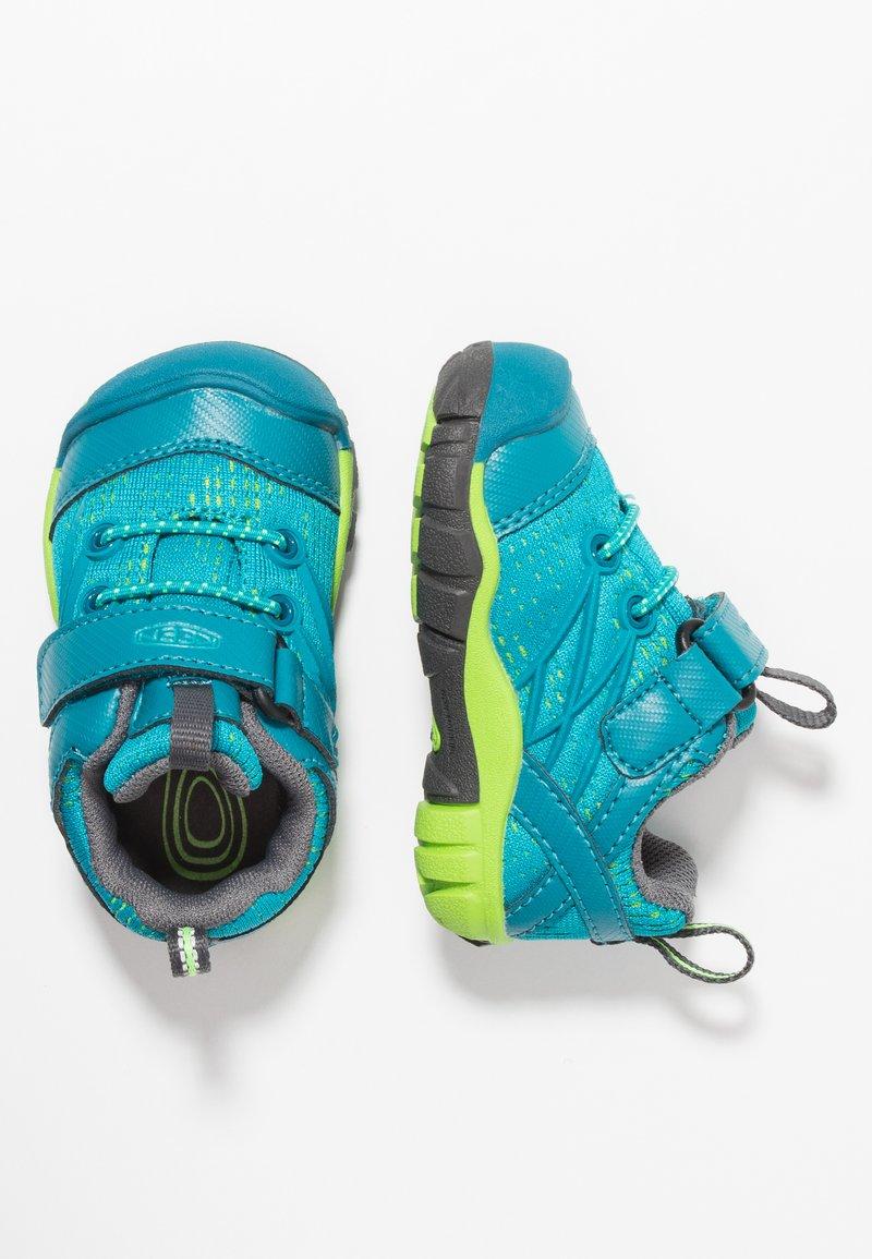 Keen - CHANDLER CNX - Zapatillas de senderismo - tahitian tide/bright green