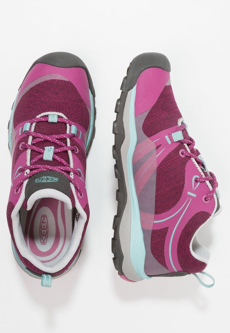 Keen - TERRADORA LOW WP - Obuwie hikingowe - boysenberry/red violet