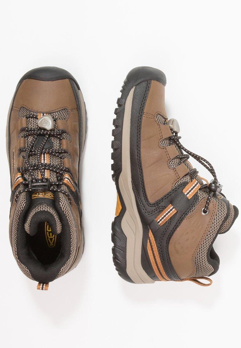 Keen - TARGHEE MID WP - Trekingové boty - dark earth/golden brown